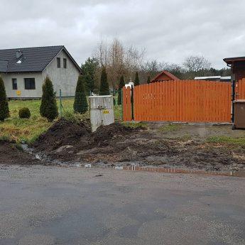 """ZDP buduje chodnik w Chominie. Urzędnicy """"zgubili"""" trzy nieruchomości"""