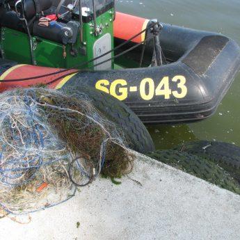 Wyłowili 400 metrów nieoznakowanej sieci