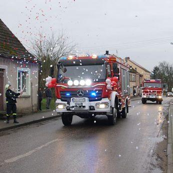 Strażacy z Gostynia mają nowy wóz! [Zdjęcia]