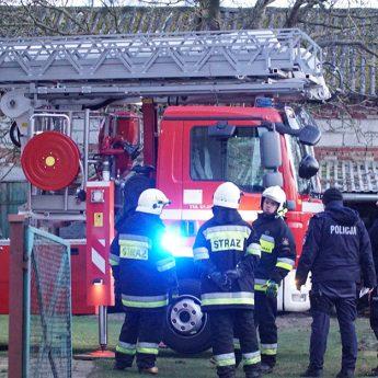 Groźny pożar sadzy w Dargoszewie. Na miejscu cztery zastępy straży