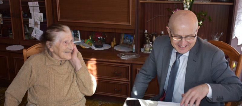 Burmistrz Danieluk odwiedził 100-letnią mieszkankę Golczewa!