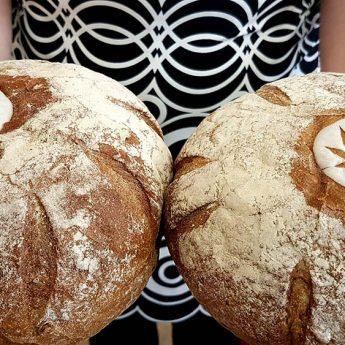 Chleb z nasionami i mąką konopną? Oto nowy produkt firmy Wiesława Żelka!