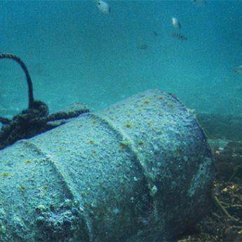 Beczki z bronią chemiczną nieopodal brzegu. Bałtyk niczym bomba ekologiczna