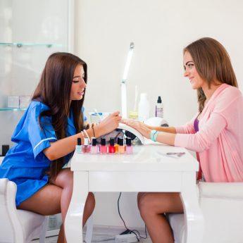 Wybieramy najlepszego fryzjera i stylistkę paznokci w powiecie