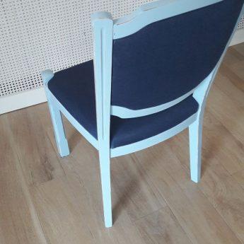 Dębowe krzesła po renowacji
