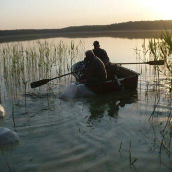 Spinningowe zawody wędkarskie na jeziorze Ostrowo