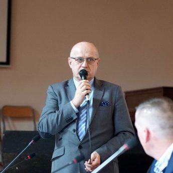 Radni obniżyli pensję Burmistrza Golczewa. Andrzej Danieluk zarobi 3 tysiące złotych mniej!