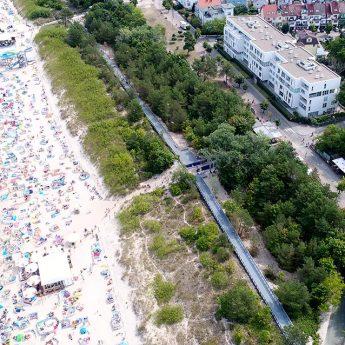 Nowe, techniczne zejście na plażę w Międzyzdrojach – kolejny sukces współpracy z Urzędem Morskim w Szczecinie