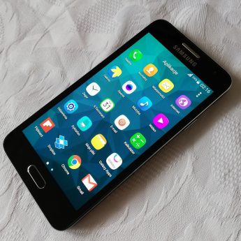 SAMSUNG Galaxy A3 idealny stan.