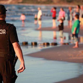 Kolejna tragiczna ofiara morskiej kąpieli. W Dziwnówku morze wyrzuciło ciało 35 - latka