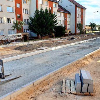 Przebudowywane ulice w Kamieniu Pomorskim wyłaniają się z chaosu [Zdjęcia, Film]