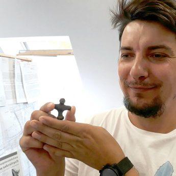 Tomasz Rindfleisch na tropie zabytków! Średniowieczny świecznik trafił do MHZK!