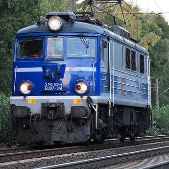 Dramat na torach. 71 - latka potrącona przez lokomotywę!