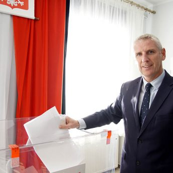 Stanisław Kuryłło wygrywa w pierwszej turze! Burmistrz z rekordowym poparciem i większością w Radzie Miejskiej!