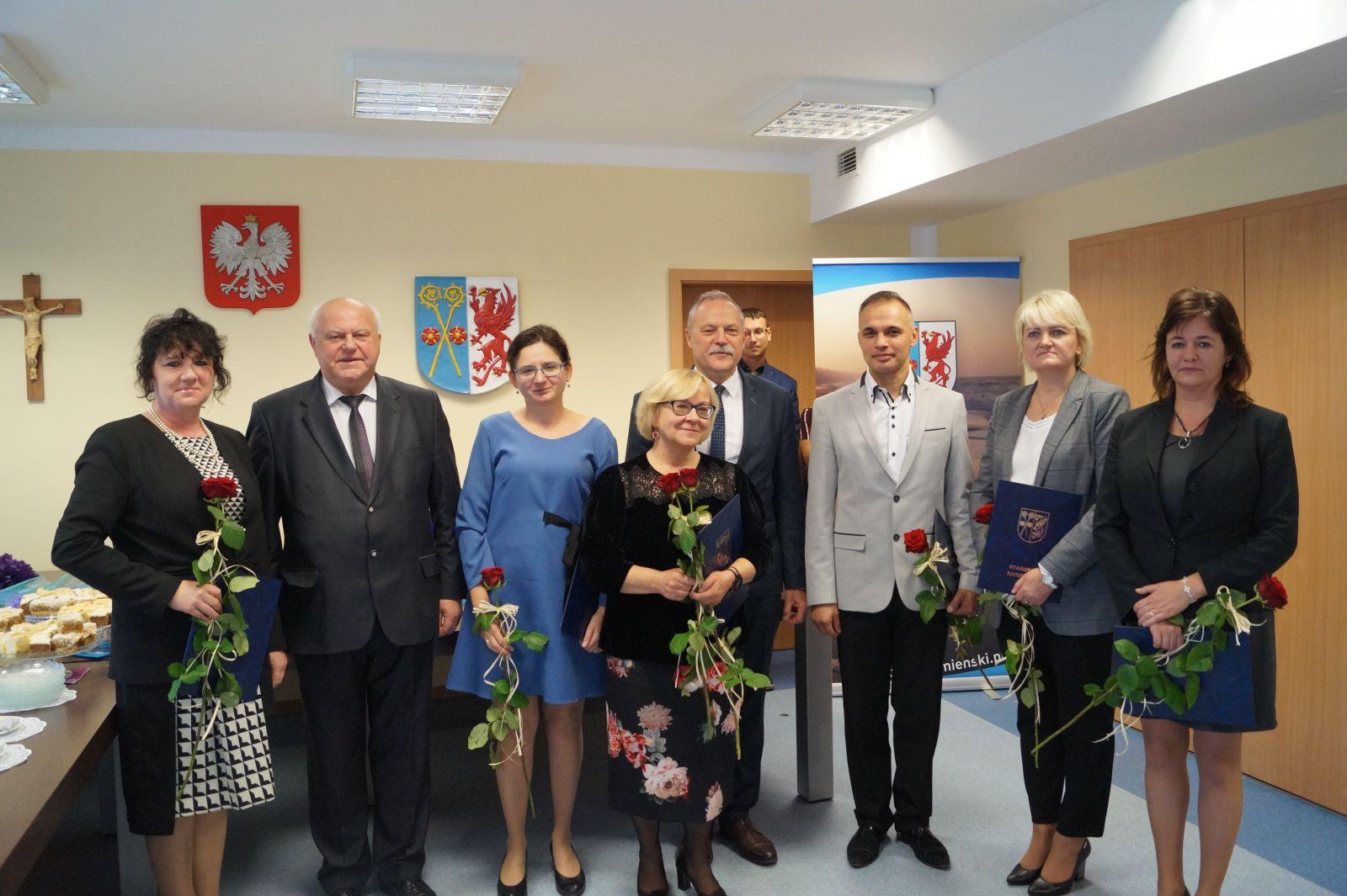 Dzień Edukacji Narodowej w Powiecie. Awanse, medale.