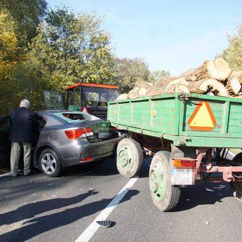 Zderzenie trzech aut pod Kamieniem Pomorskim! [Zdjęcia]