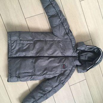 Oddam kurtkę zimową chłopięcą na 158 cm