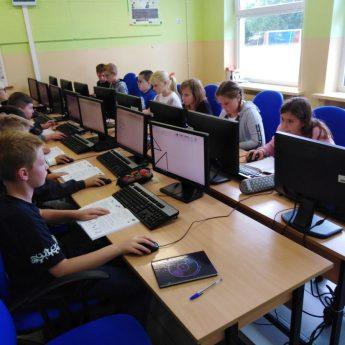 Trzy lata pracy działalności Stowarzyszenia Na Rzecz Szkoły Podstawowej w Wysokiej Kamieńskiej