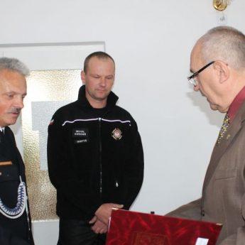Specjalistyczny sprzęt dla strażaków z gminy Świerzno przekazany!
