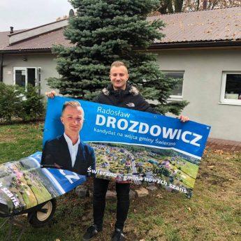 Wójt elekt przekazał banery do schroniska w Sosnowicach. Radny sejmiku zaadoptował psa!