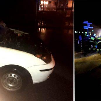 Pożar samochodu w Wolinie. Ford zapalił się w trakcie jazdy!
