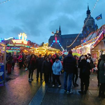 Jarmark świąteczny w Stralsundzie