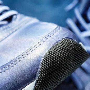 """W Stuchowie i Starzy grasują złodzieje używanych butów. Czytelnik: """"Nie wiadomo czy się śmiać czy bać"""""""