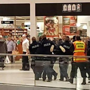 Atak nożownika w Centrum Handlowym Galaxy! Jedna osoba w stanie krytycznym