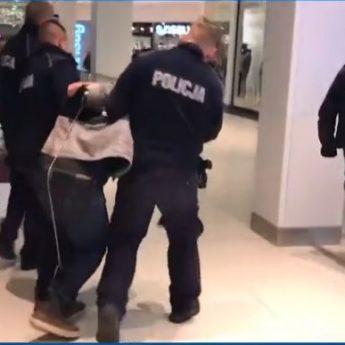 Atak nożownika w Galaxy w Szczecinie. Jedna osoba nie żyje