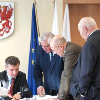 Kamieński PiS murem za Anatolem Kołoszukiem. Radni bojkotują prace Komisji Rewizyjnej