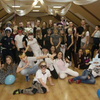 Młodzi tancerze z Międzyzdrojów i Wolina na obozie w Choszcznie