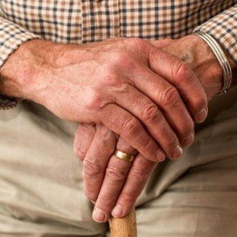 Renciści i emeryci do końca lutego muszą się rozliczyć z ZUS