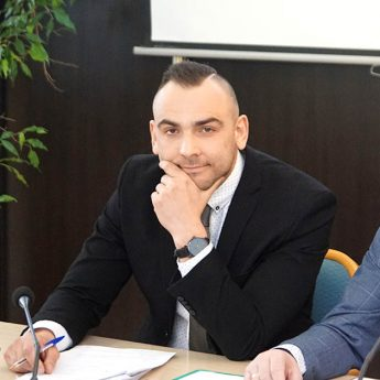 O patologiach, problemach w spółkach i ZOŚ. Burmistrz Mateusz Bobek przedstawił raport o stanie Gminy