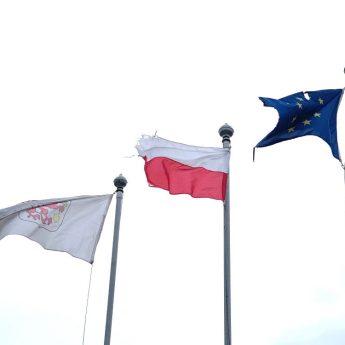Stadion w Wolinie bez zarządcy? Brudne i porwane flagi wizytówką Edwarda Arysa