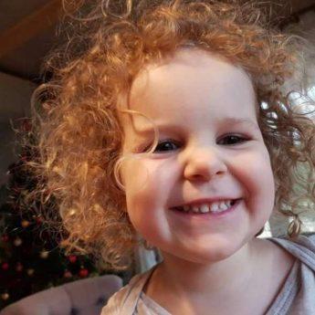 Policjanci poszukują porwanej 3-latki i jej mamy!