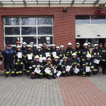 Szkolenie podstawowe Ochotników Straży Pożarnej. Wśród przeszkolonych Wójt Świerzna