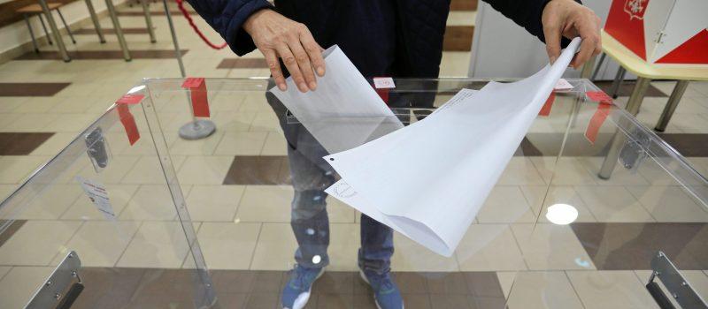 Wyjeżdżasz w dniu wyborów? Zobacz co zrobić, aby zagłosować poza miejscem zameldowania
