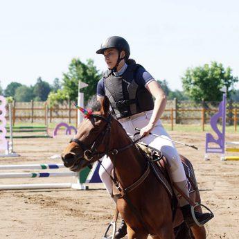 56 koni zaprezentowało się przed publicznością. W Benicach zorganizowano kolejne zawody