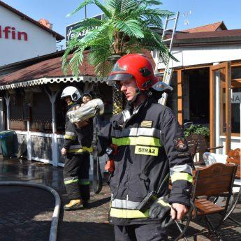 Pożar smażalni w Międzywodziu. Na miejscu 7 zastępów straży