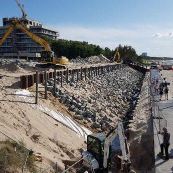 Budowa opaski brzegowej na ostatniej prostej