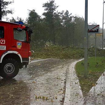 Strażacy mają pełne ręce roboty! Załamanie pogody dotarło nad Powiat [Aktualizacja]