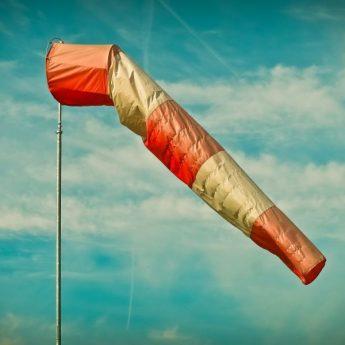 Biuro Prognoz Meteorologicznych ostrzega przed silnym wiatrem