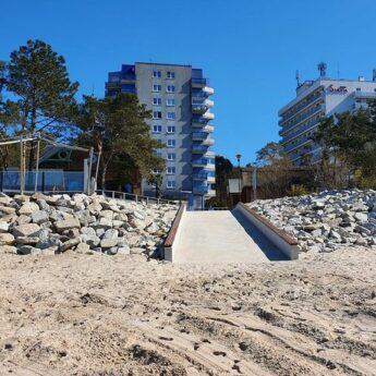 Zejście na plażę w Międzyzdrojach już w nowym obliczu