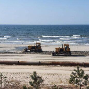 Sztuczne zasilanie plaży w Międzyzdrojach. Burmistrz wyjaśnia [FILM]