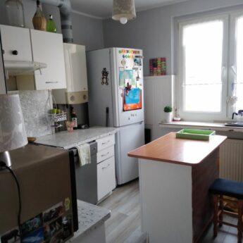 Sprzedam mieszkanie własnościowe 3 pok.z balkonie.do remontu w Kamieniu