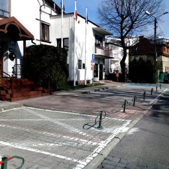 Parking przed międzyzdrojskim urzędem dostępny dla Mieszkańców
