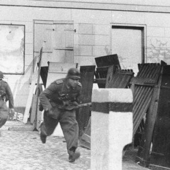 """""""Historia II wojny światowej nadal potrzebuje narratorów"""""""