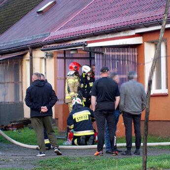 Pożar w mieszkaniu w Samlinie. Jedna osoba poparzona!