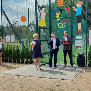 Boisko wielofunkcyjne przy Szkole Podstawowej w Wysokiej Kamieńskiej oficjalnie otwarte!