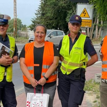 """""""Bezpieczny przejazd - szlaban na ryzyko"""". Wspólna kampania społeczna Policji i PKP"""